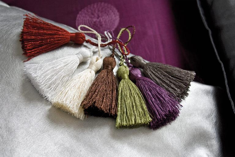 produits-passemanterie-embrasses-textiles-pompons