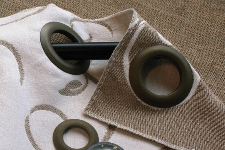 produits-tette-de-rideaux-oeillets-oeillets-plastique-oeillet-clip-metallise