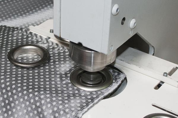 produits-tette-de-rideaux-oeillets-presses-a-oeillets-02