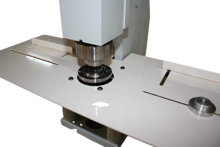 produits-tette-de-rideaux-oeillets-presses-a-oeillets-machine-a-oeillets